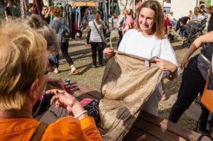 Eindrücke von der Kleidertauschparty und Fakten über unsere Kleidung