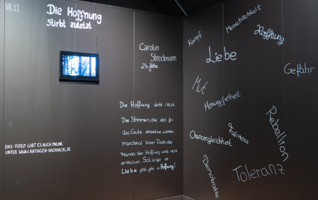 Das Werk von Carolin Streckmann im Rahmen des Zukunftskunst-Wettbewerbs #kunstforfuture 2020. Das Werk ist bis zum 25. Oktober 2020 im LVR-Industriemuseum Haus Cromford in Ratingen zu sehen. Der Wettbewerb findet im Rahmen des Jugendkulturjahrs 2020 der Stadt Ratingen statt. Die Rechte liegen bei dem Autor/ der Autorin.