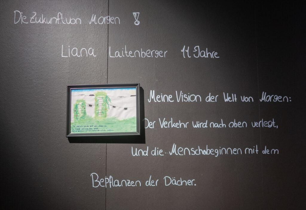 Das Werk von Liana Laitenberger im Rahmen des Zukunftskunst-Wettbewerbs #kunstforfuture 2020. Das Werk ist bis zum 25. Oktober 2020 im LVR-Industriemuseum Haus Cromford in Ratingen zu sehen. Der Wettbewerb findet im Rahmen des Jugendkulturjahrs 2020 der Stadt Ratingen statt. Die Rechte liegen bei dem Autor/ der Autorin.