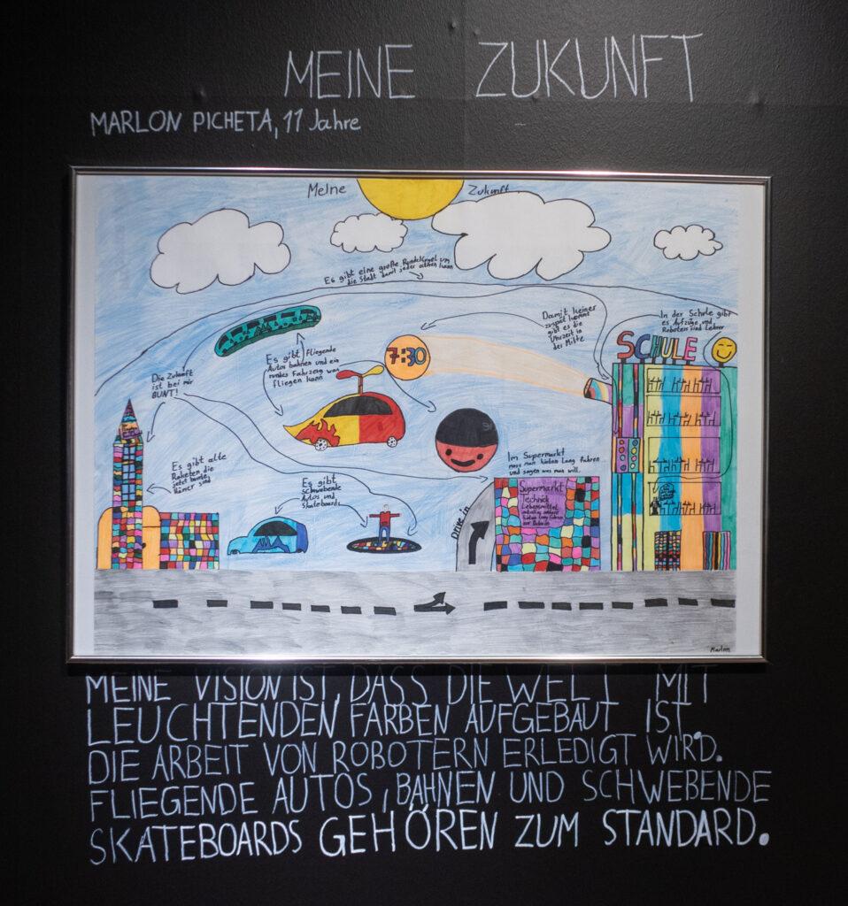 Das Werk von Marlon Picheta im Rahmen des Zukunftskunst-Wettbewerbs #kunstforfuture 2020. Das Werk ist bis zum 25. Oktober 2020 im LVR-Industriemuseum Haus Cromford in Ratingen zu sehen. Der Wettbewerb findet im Rahmen des Jugendkulturjahrs 2020 der Stadt Ratingen statt. Die Rechte liegen bei dem Autor/ der Autorin.