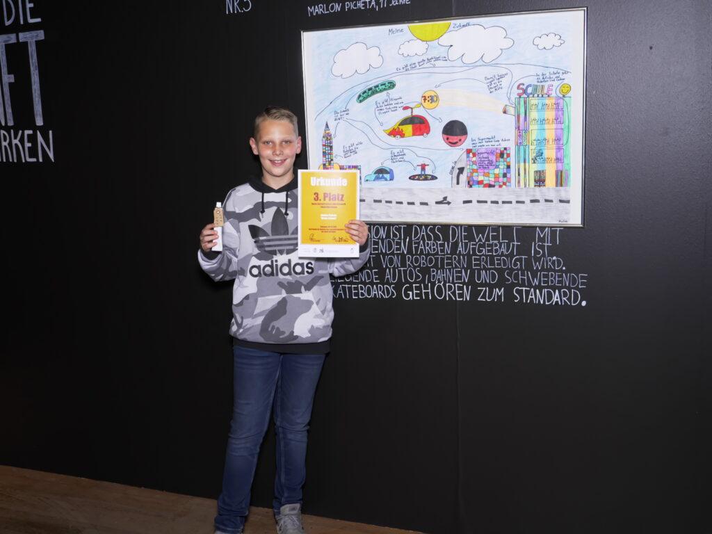 """Marlon Picheta hat mit seinem Bild """"Meine Zukunft"""" den dritten Preis beim Zukunftskunst-Wettbewerb #kunstforfuture gewonnen. © Jugendkulturjahr 2020"""